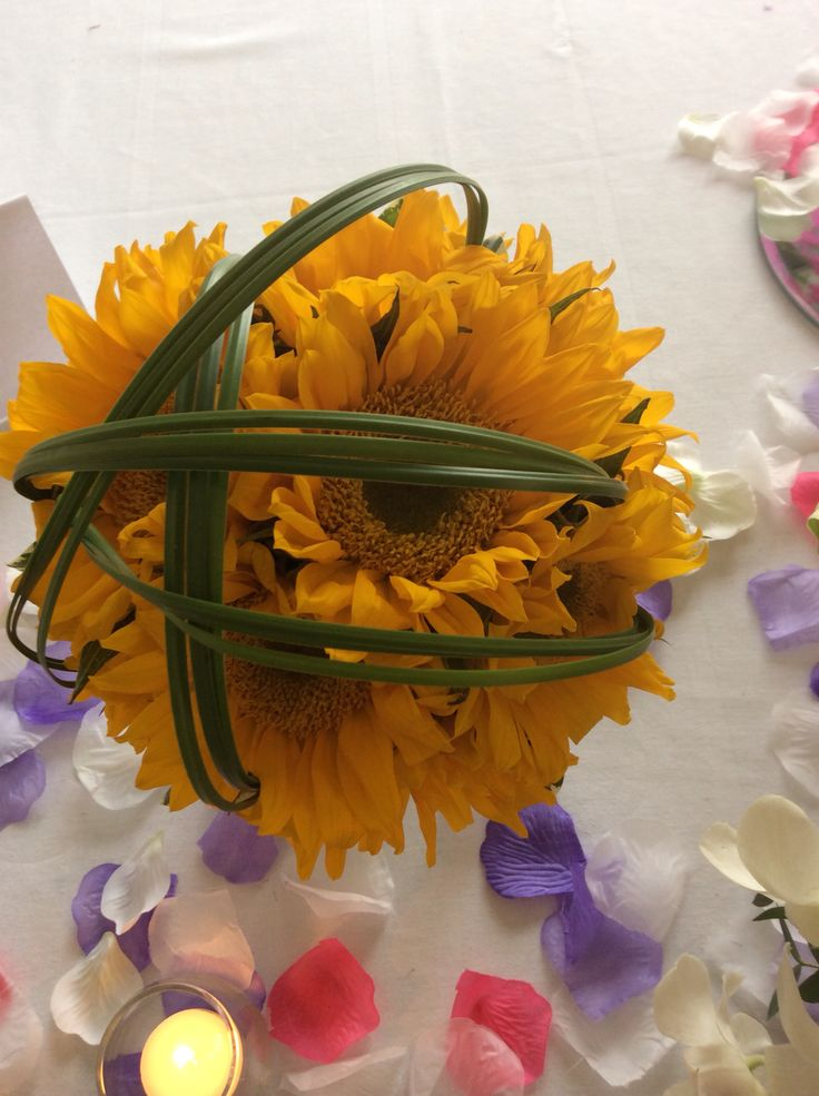 Sunflower bouquet with steel grass