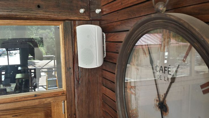 Beautifully finished off install for the Mitta Mitta Pub. The white speakers and other peripherals really came up a treat against the stained timber throughout the venue.