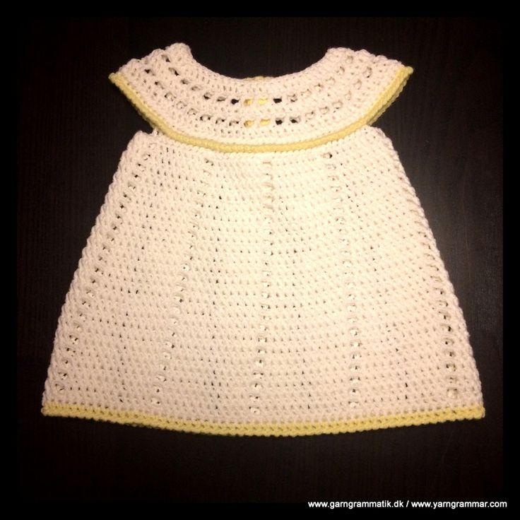 Babykjole med hulmønster_7