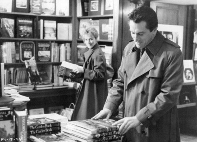 Throwback To Meryl Streep And Robert Deniro Book Browsing At The