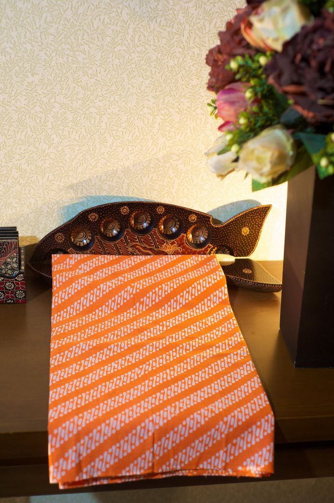 Batik Garutan motif lereng kecil warna orange