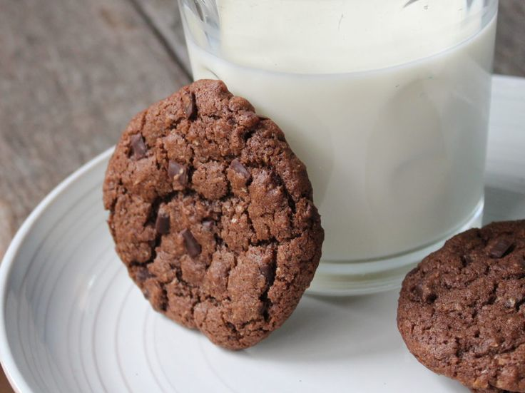 Wholemeal Double Chocolate Crinkle Biscuits