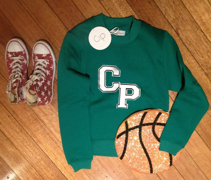 Casper & Pearl sweater teamed with House of Cards basketball clutch