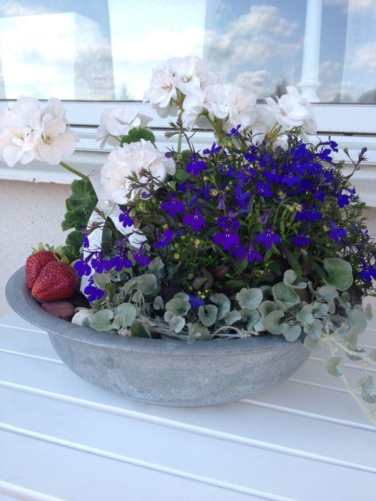 Blomsterarrangemang ~ sommar