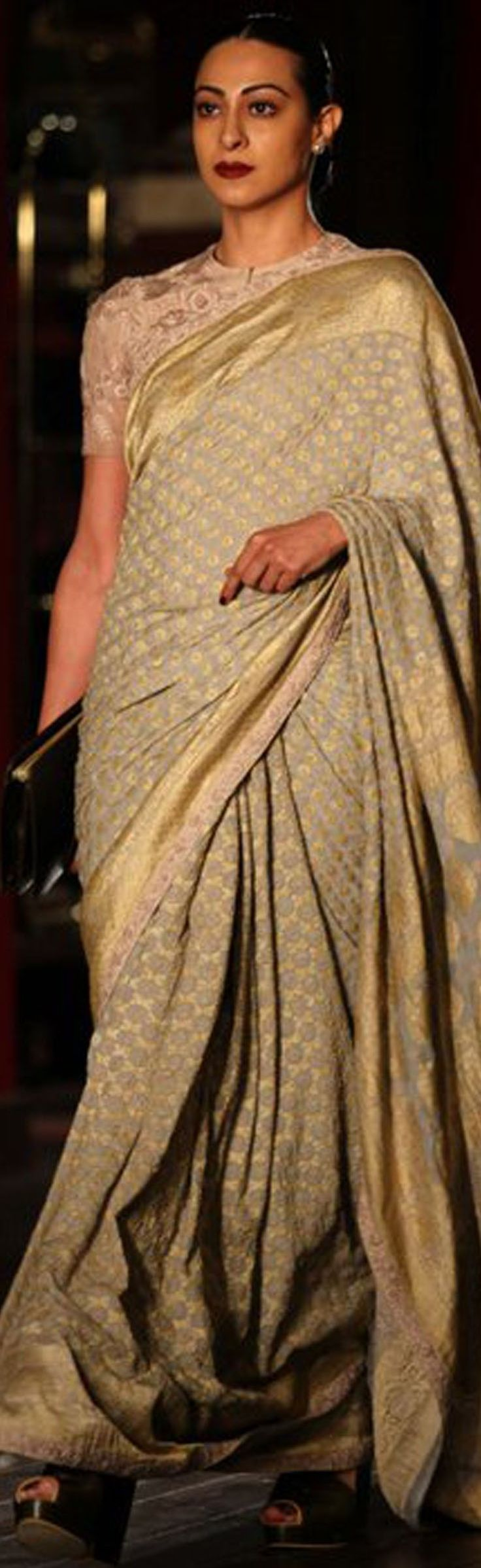 Pinterest: @Littlehub || Sabyasachi~❤。An Exquisite Clothing World || sabyasachi saree