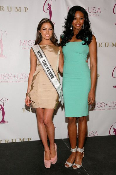 Olivia Culpo Photos - (L to R) Miss Universe Olivia Culpo and Miss USA Nana Meriwether attend the crowning ceremony of the new Miss USA at Trump Tower on January 9, 2013 in New York City. - Donald Trump Crowns The New Miss USA Nana Meriwether