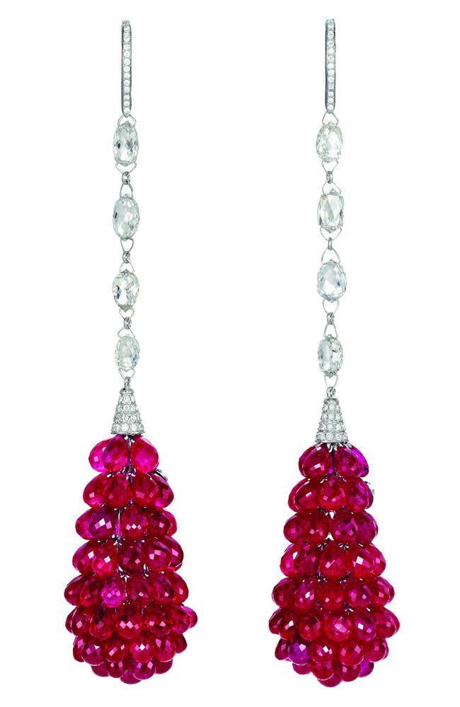 Pendientes con rubíes talla briolette y diamantes de la coleccion Red Carpet 2011 de Chopard.