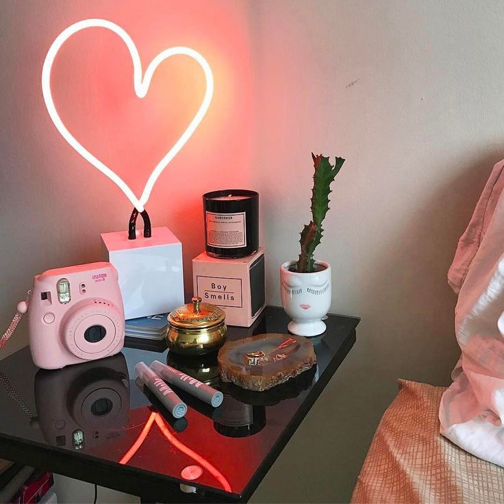 """188.3k Likes, 418 Comments - Urban Outfitters (@urbanoutfitters) on Instagram: """"Big love, @oursecondskin.  Shop the Neon Mfg. Neon Heart Table Lamp, SKU #38296489. #UOHome"""""""