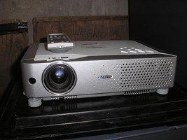 Videoproiettore Sanyo mod XU-48