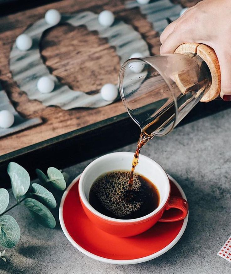Here in Italy pour over coffee is pretty difficult to find. I had it very few times but I loved it! What about you? Do you like pour over coffee? If so what's your favorite method? : @coffeerem #GetCoffeeBeHappy #chemex _______________________ #getcoffeebehappy to be featured! Say Hi to @getcoffeebehappy! TAG a friend who loves coffee! _______________________ #coffee #coffeelover #coffeefanatics #coffeetime #goodcoffee #coffeesesh #caffeine #espresso #coffeeoftheday #brewtiful #coffegasm ...