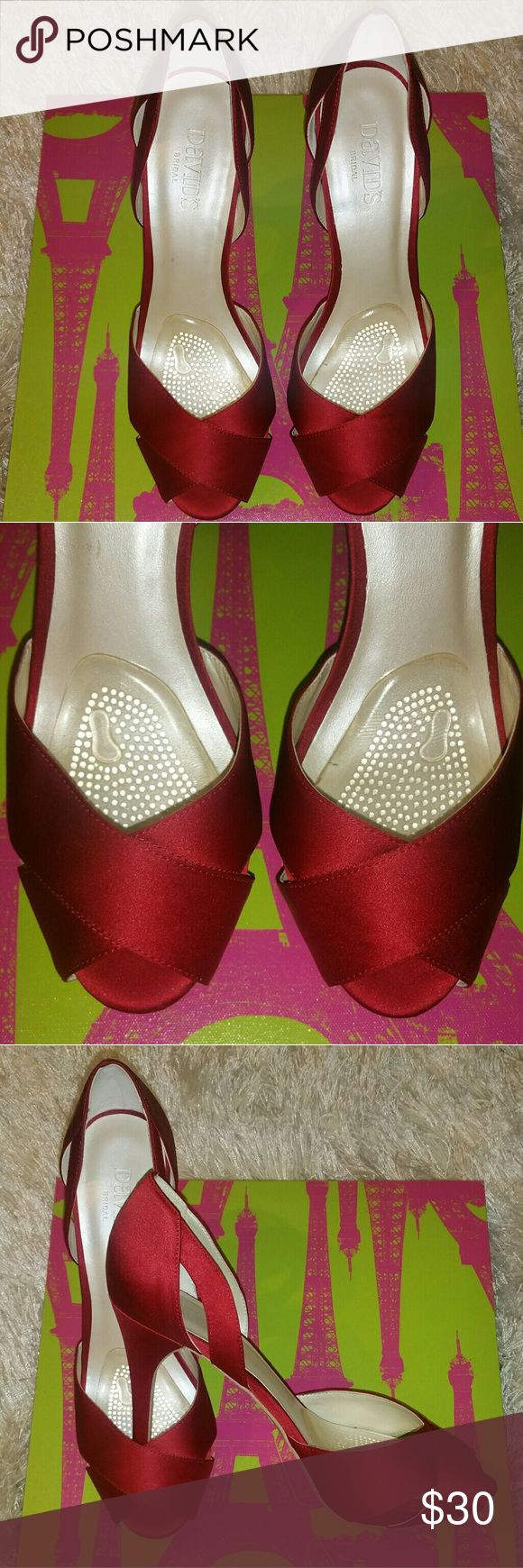 """🌹DAVIDS BRIDAL """"SAVANAH"""" Heel Size 8.5 David's Bridal Savanah Heel. Size 8.5. Pre-Loved. Perfect for wedding, formals, holiday parties and prom. Burgundy Color. Well Maintained. Please view photos. Make an Offer. Let's Chat.👠 David's Bridal Shoes Heels"""
