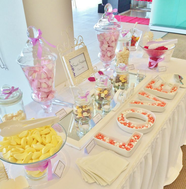 It there anything you don't love about this stunning sweet station by @Beedazzled Events ?