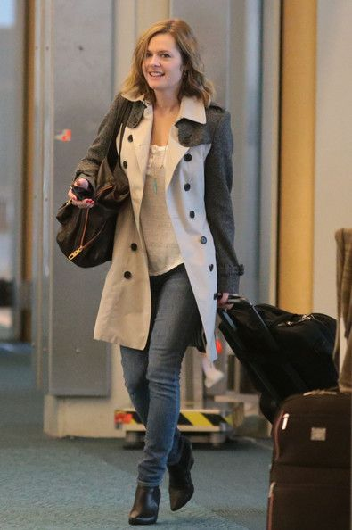Maggie Lawson Photos - Love this coat!