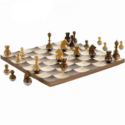 Wyjątkowy zestaw szachów z litego drewna od Umbra +