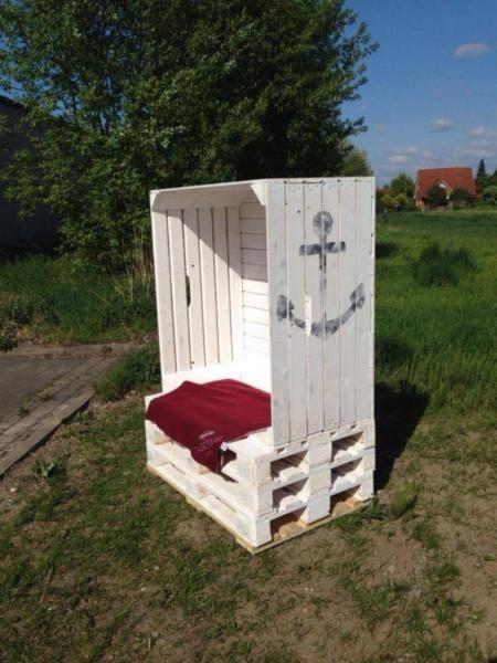 die besten 25 strandkorb aus paletten ideen nur auf pinterest strandkorb palettenkunst und. Black Bedroom Furniture Sets. Home Design Ideas