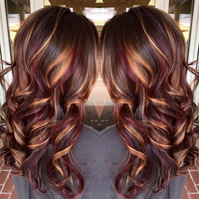Brunette Hair Color With Burnished Blonde Highlights Curly Long Hotonbeauty Love Your Styles