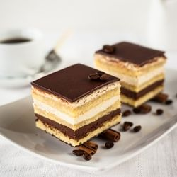 Classic French Opera Cake (scroll down for recipe in English)