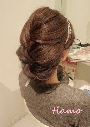 可愛い花嫁さまの素敵チェンジ3スタイル♡リハ編 | 大人可愛いブライダルヘアメイク『tiamo』の結婚カタログ