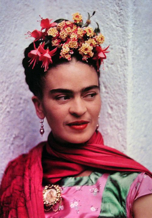 Frida Kahlo...this has to be my favourite photo of her. Reminds me a little of my Nana....
