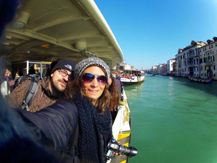 Veneza é uma das cidades mais bonitas do mundo. É um lugar extraordinário, onde o visitante se sente como se estivesse num museu ao ar livre. Passear nas ruas de Veneza é como viajar no tempo e se se visitar esta cidade no Carnaval, a sensação é ainda maior. Para quem deseja conhecer bem a …