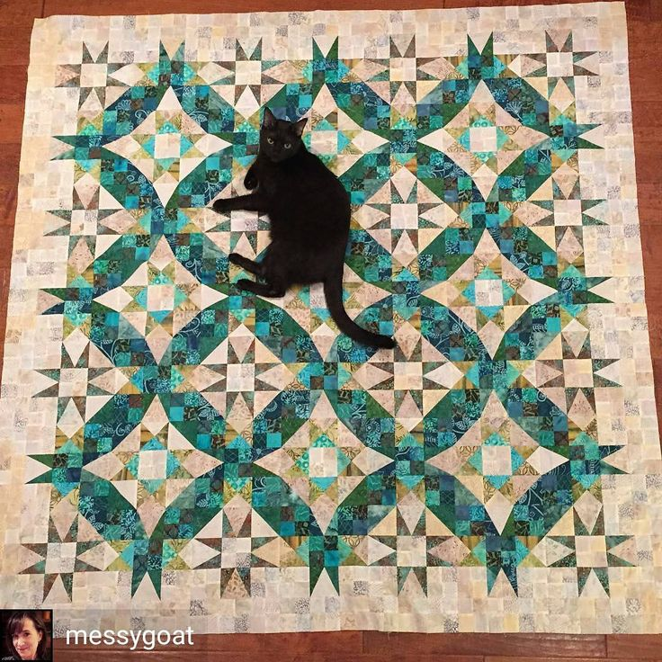 """More amazing #enprovencequilt Love!  From @messygoat - """"And #enprovencequilt version 2 for us to keep... 3x3 instead of 4x4, and I skipped step 7 and made extras of steps 4 and 6 instead."""" whoooohoooo I love this variation! . . #quilt #quilting #patchwork #quiltville #bonniekhunter #mysteryquilt #quiltvillemystery #quiltsbyyou"""