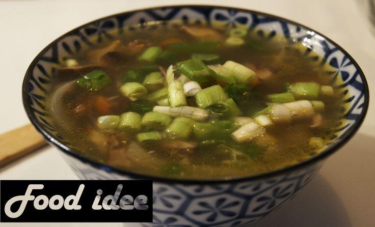 <p>Japanse soep met shiitake staat binnen een halfuur op tafel en is mega gezond. Naast sushi ontdek ik steeds meer heerlijke ingrediënten en gerechten uit de Japanse en Aziatische keuken. Ik ben gek op sesamolie, sojasaus en gember. Daarnaast doe ik graag overal een beetje lente ui overheen, want dit