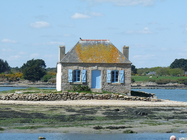 La maison du gardien des parcs à huitres à St-Cado - Morbihan.