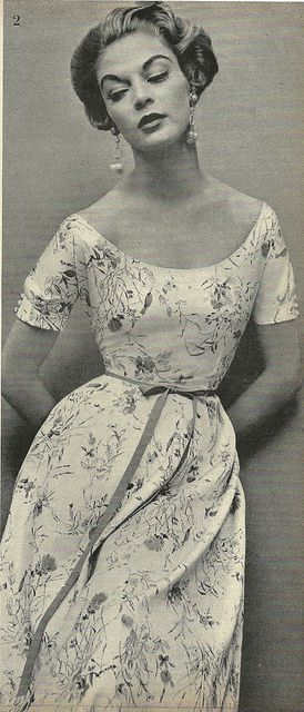 1950's Fashion Model Jean Patchett. <3 I would love to have this dress!