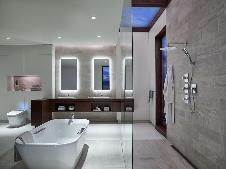 This open fresh bathroom is the perfect place to take a long soak in