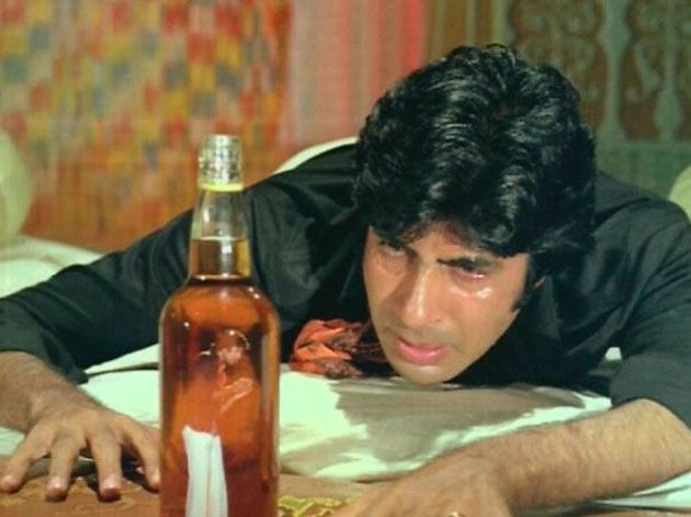 Amitabh's struggle with alcohol - forgot which movie