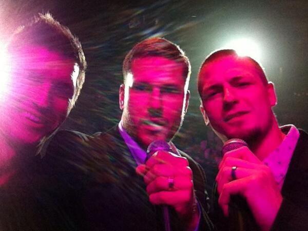 Love the onstage selfie! LOL!