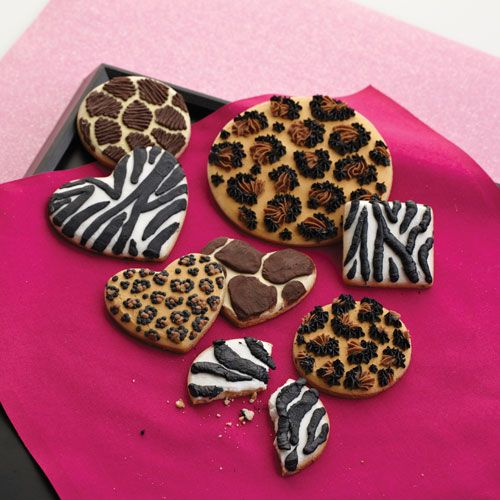 Go Wild! Animal Print Cookie Class- Explore how to make your cookies go wild with buttercream icing in this class. You'll learn to decorate cookies with zebra, leopard or giraffe patterns using easy decorating techniques. Check out the Cake and Sugar Arts calendar for dates and times at www.PlumForest.com