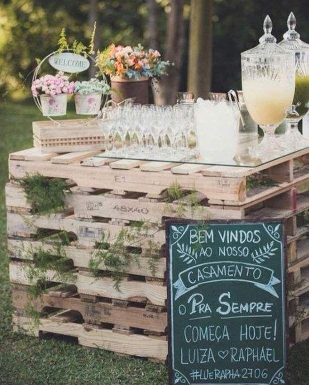 Buffet de mariage fait maison : palettes en bois