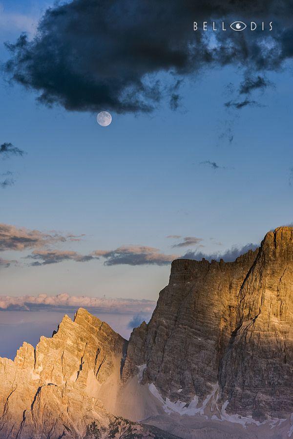 https://flic.kr/p/L9K5QD | 160735  Full moon on monte Pelmo