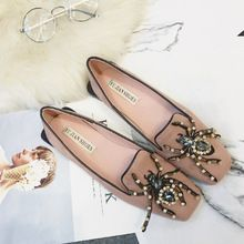 2017 Marque De Luxe Designer Chaussures Femmes Fond Plat Talons Bout Rond Chaussures Strass Appartements Mocassins Perles Floral W Chaussures(China (Mainland))