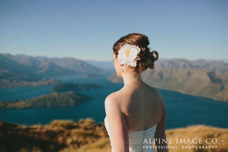 Wanaka mountain wedding - Photography by www.alpineimages.co.nz, Planned by www.boutiqueweddingsnz.com, Hair by @ab