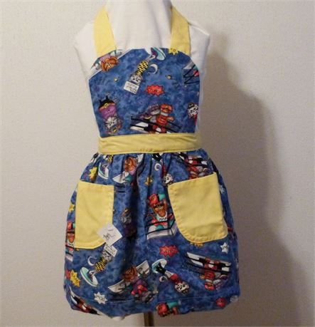 Girls Full Aprons, Cats on Blue Apron, Kitchen Aprons, Gift for Girls, Made in the USA,   This is a very pretty girls apron   Here are the measurements for the girls apron.  LENGTH--18.75  Waist --16--from tie to tie   Waist Ties-17   Neck Ties--18   Have any questions before making your purchase. feel free to contact me. I answer all communications within a few hours.   *INTERNATIONAL BUYERS PLEASE NOTE *   Import duties, taxes and charges are not included in the item price or shipping…