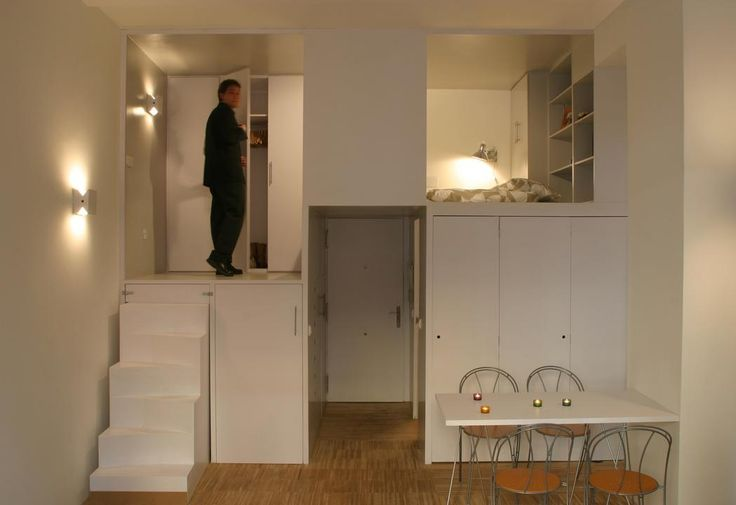 W części sypialnianej jeden jej segment ma wysokość 1,5 m, natomiast dla szafy wydzielono 2 m, pozwala to wygodnie stanąć