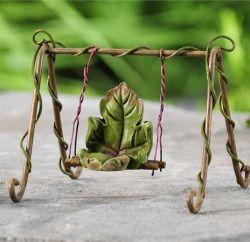 swansong-willows:(via Fairytale Leaf Swing - My Fairy Gardens)