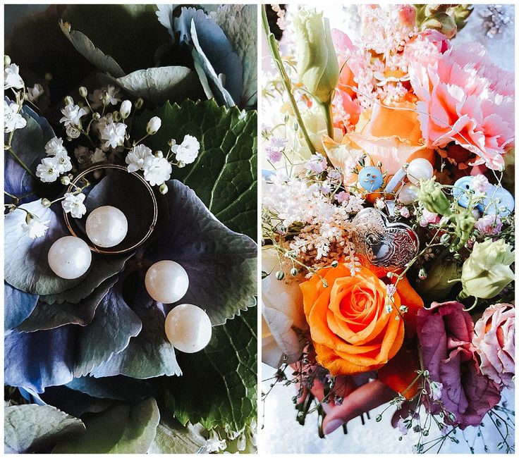 Buntes, farbenfrohes Blumenkonzept. Rechts ist der Brautstrauß mit einem Herz Medaillon, das hinein gearbeitet wurde. Es gehörte der Oma, die schon vor der Hochzeit verstarb. So konnte sie trotzdem anwesend sein.  www.annatews.de