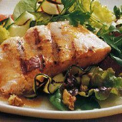 Gegrilde zalm met sherry-walnootdressing recept - Feestelijk - Eten Gerechten - Recepten Vandaag