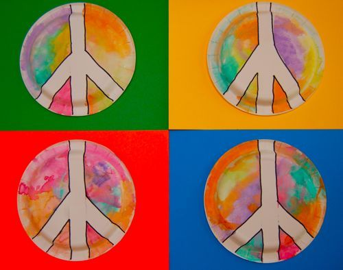 Peace sign project idea for my new Arts + Crafts Monday class. Perfect activity to honor Dr. Martin Luther King Day coming up!