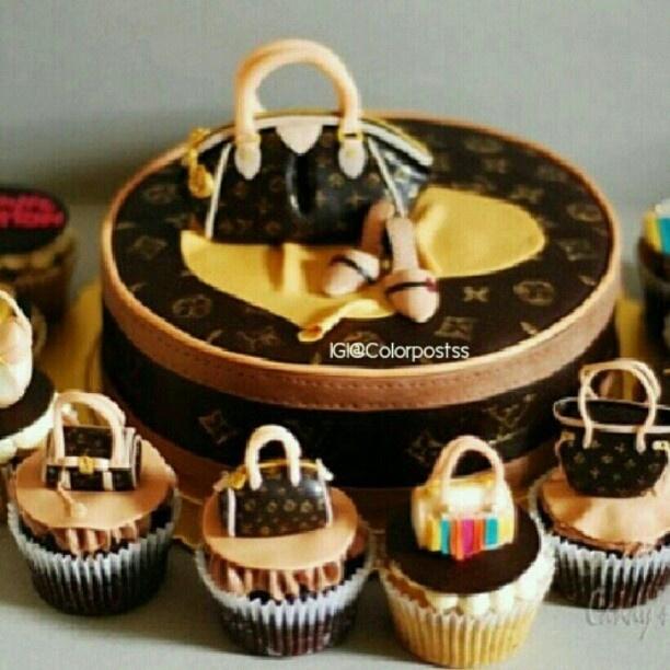 Fashion cake & cupcakes!!  Please follow @hairandfashionlove @hairandfashionlove @hairandfashionlove @hairandfashionlove for fashion