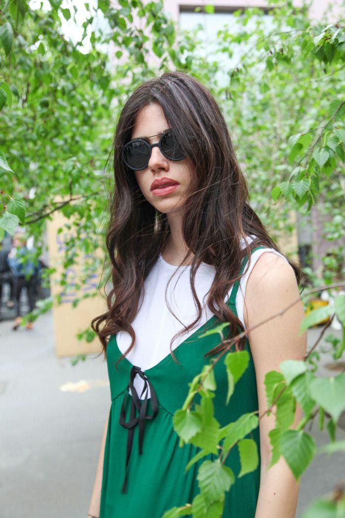 Green viscose dress Rue Bisquit + Komono sunglasses