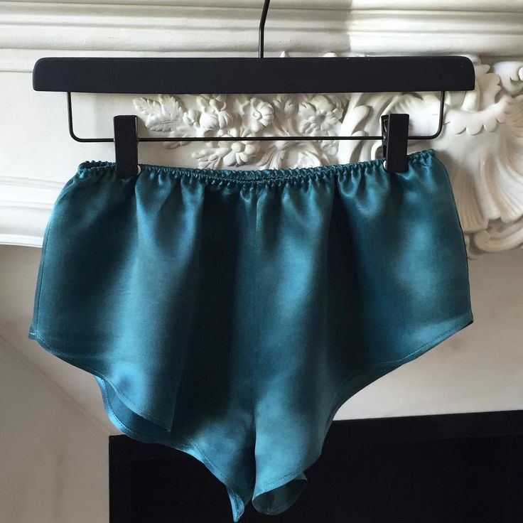 Teal 👌🏻 #bluegreen #greenblue #satin #colour #style #stylegram #moyehomewear #homewear #shorts  #shoponline #shoppingday