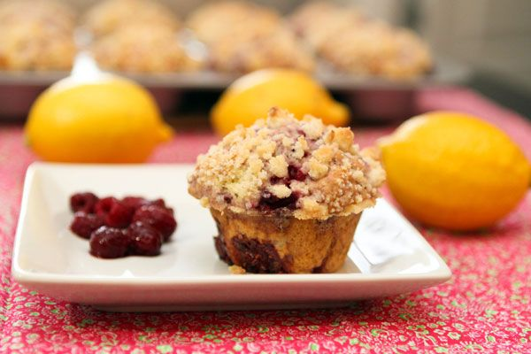 raspberry lemon streusel muffins...two of jab's favorites wrapped up in one muffin!