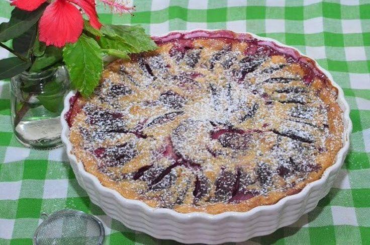Clafoutis cu prune: desertul care vă va perfecționa în arta culinară! - Retete-Usoare.eu