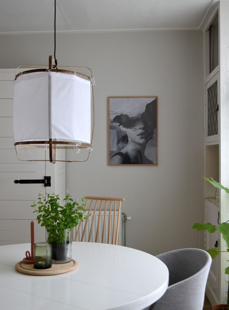 Greige wall / Balanced Mist by  Flexa // photography and styling by Milou Nieuwenhuis