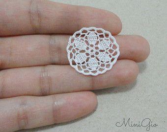 Ganchillo de miniatura redondo tapete de 1 pulgada, mantel de ganchillo de dollhouse, 1:12 casa de muñecas miniatura blanca pequeña carpetita que paso, micro crochet, modelo #79