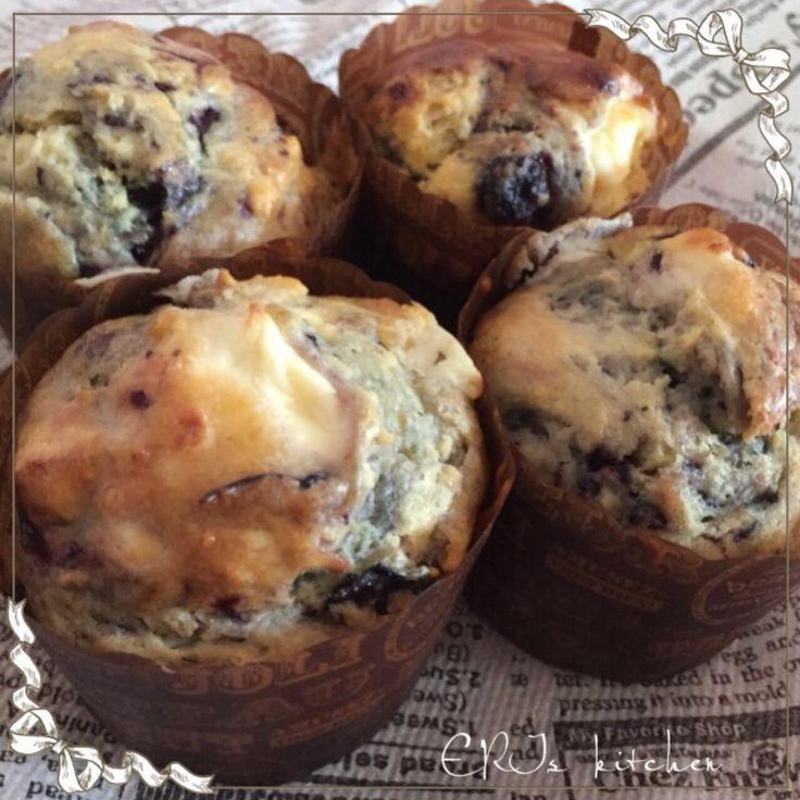 ブルーベリーとクリームチーズのマフィン(バターをオイルにかえて)思い立ったらすぐできる♡簡単マフィンシリーズ♪ ジャムを使って作るブルーベリーマフィンです。